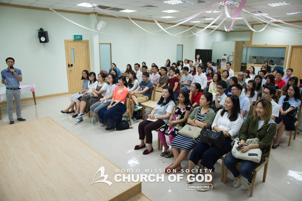 The presenters introduced the audience to the topic of Heaven and Passover.